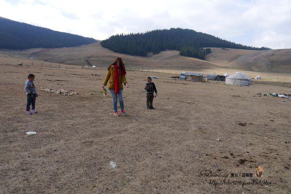【北疆尋夢之旅】博樂。賽里木湖邊的孩子