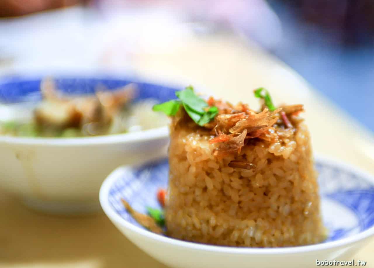 【新竹美食|葉媽媽糯米飯魷魚羹】料好實在!竹東市場老字號葉蘭香,24小時營業的平價美味