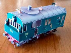 Papercraft imprimible y armable de una Máquina de tren de vapor / Steam trailcar GR60. Scale 1:72. Manualidades a Raudales.