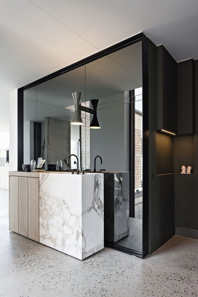How to Choose the Perfect Mirror for Your Luxury Bathroom