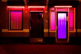 Casa-da-luz-vermelha