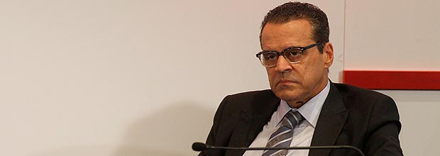 Acusado de envolvimento no petrolão, ministro do Turismo pede demissão