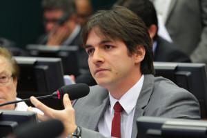 Inflação e déficit nas contas do governo e  no comércio exterior são pragas econômicas  infligidas pelo PT, afirma tucano