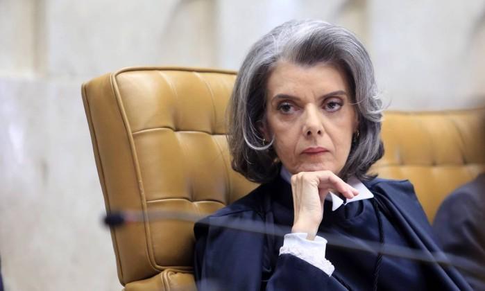 Revisar a prisão em 2ª instância por Lula seria 'apequenar o Supremo', diz Cármen Lúcia