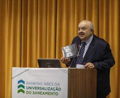 Curitiba recebe título de capital mais saneada do Brasil
