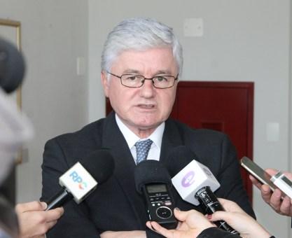 Paraná é exemplo para o Brasil devido ao seu povo, diz Rossoni