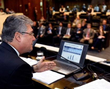 Investimentos estaduais no Parana crescem 120%