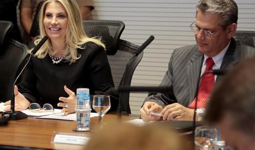 Cida autoriza licitação de R$ 76 milhões para compra de equipamentos