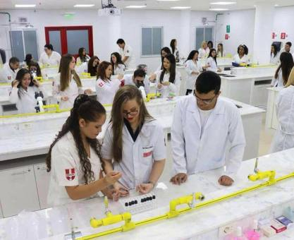 Brasil tem onda de médicos formados no Paraguai