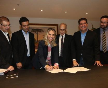 Cida repassa R$ 780 mil e garante 10 leitos de UTI para hospital em Laranjeiras do Sul
