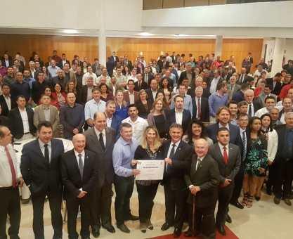 Cida reúne 160 prefeitos em Brasília
