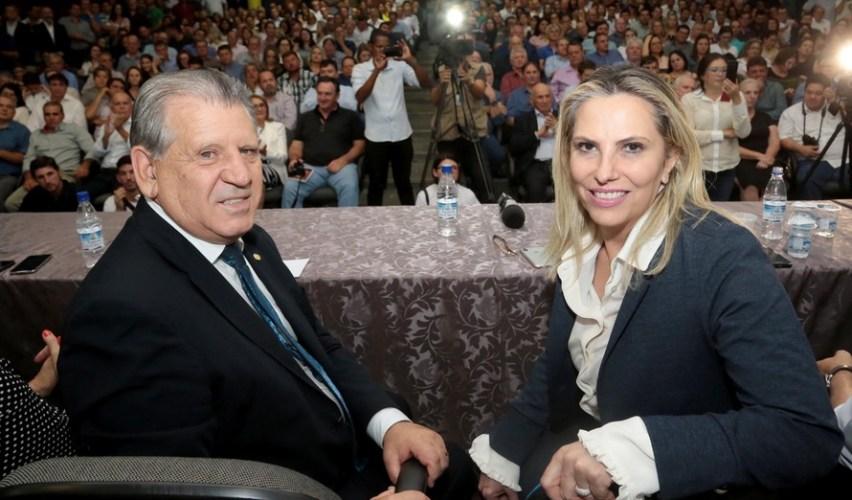 Cida reúne bancada federal em Brasília