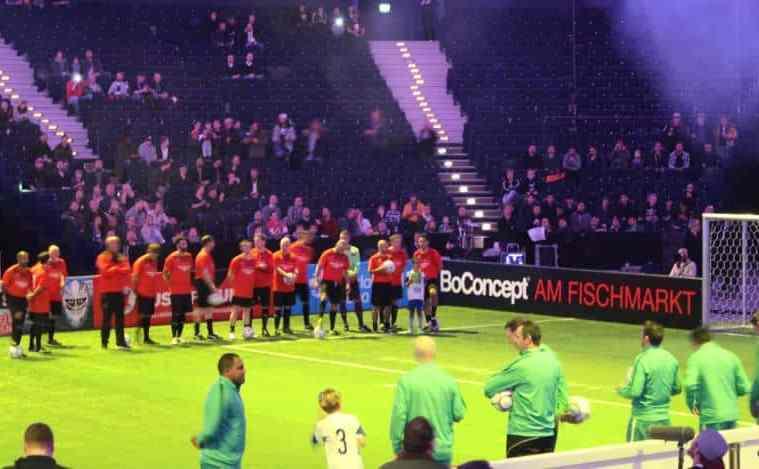 Sheiffeld FC und Werden Bremer ist da.