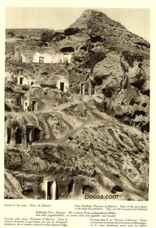 cuevas en las rocas de Almeria