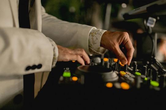 platos-música-boda-www.bodasdecuento.com