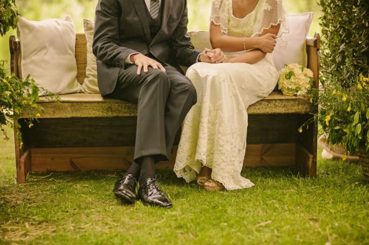 novios ceremonia en el campo www.bodasdecuento.com