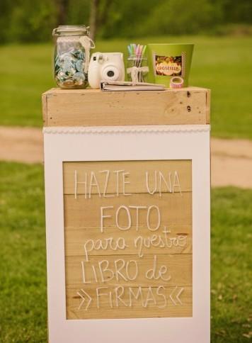 mesa de firmas polaroid boda www.bodasdecuento.com