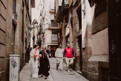 boda en la calle en barcelona www.bodasdecuento.com