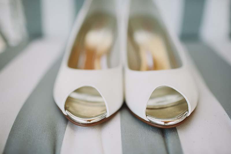 zapatos novia sencilla www.bodasdecuento.com