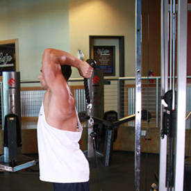 cable-overhead-tricep-extension-instruction-step-1