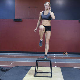 Paso-up con Raise rodilla