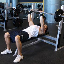 close-grip-barbell-bench-press-instruction-step-2
