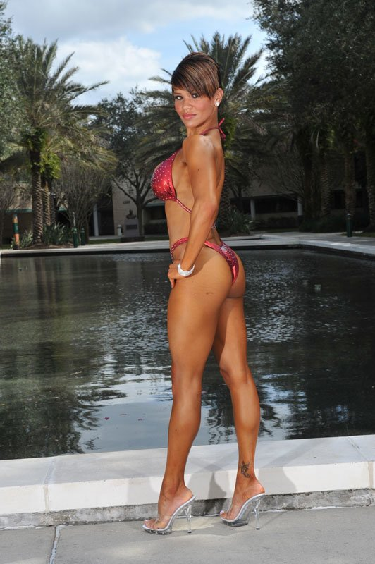 Amateur Fitness Competitor of the Week Vanessa Ness C