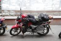 Schlafender Mopedfahrer