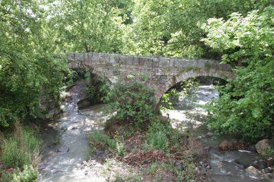 Bogenbrücke bei Parakila