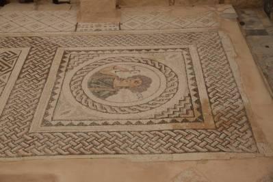 Bodenmosaik in der Villa des Eustolius