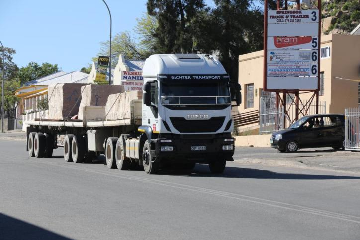Steintransport in Springbok