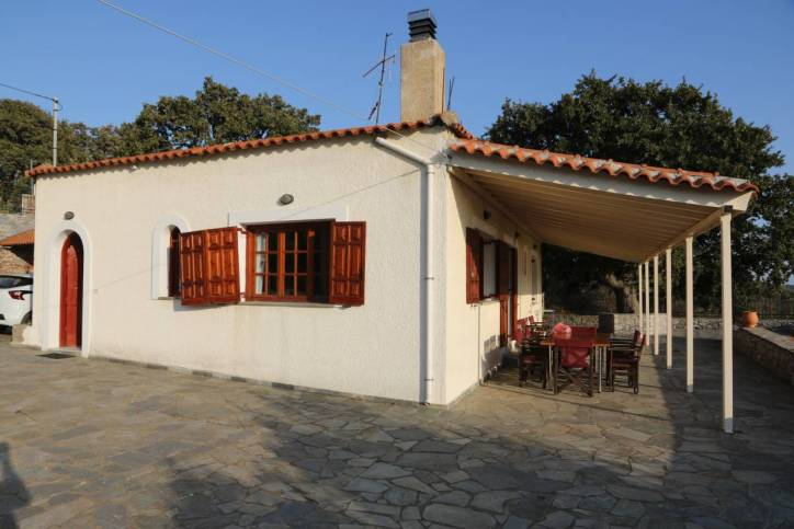 Christos Home in Kalyvia