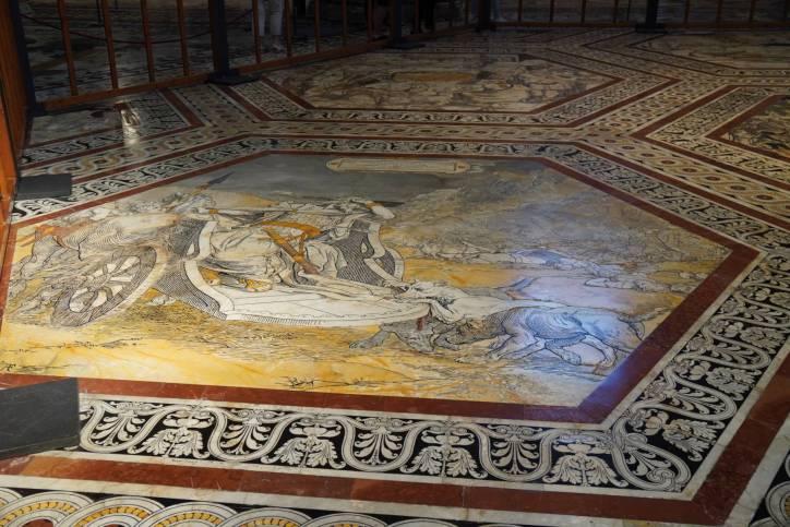 Bodenmosaikr im Dom von Siena