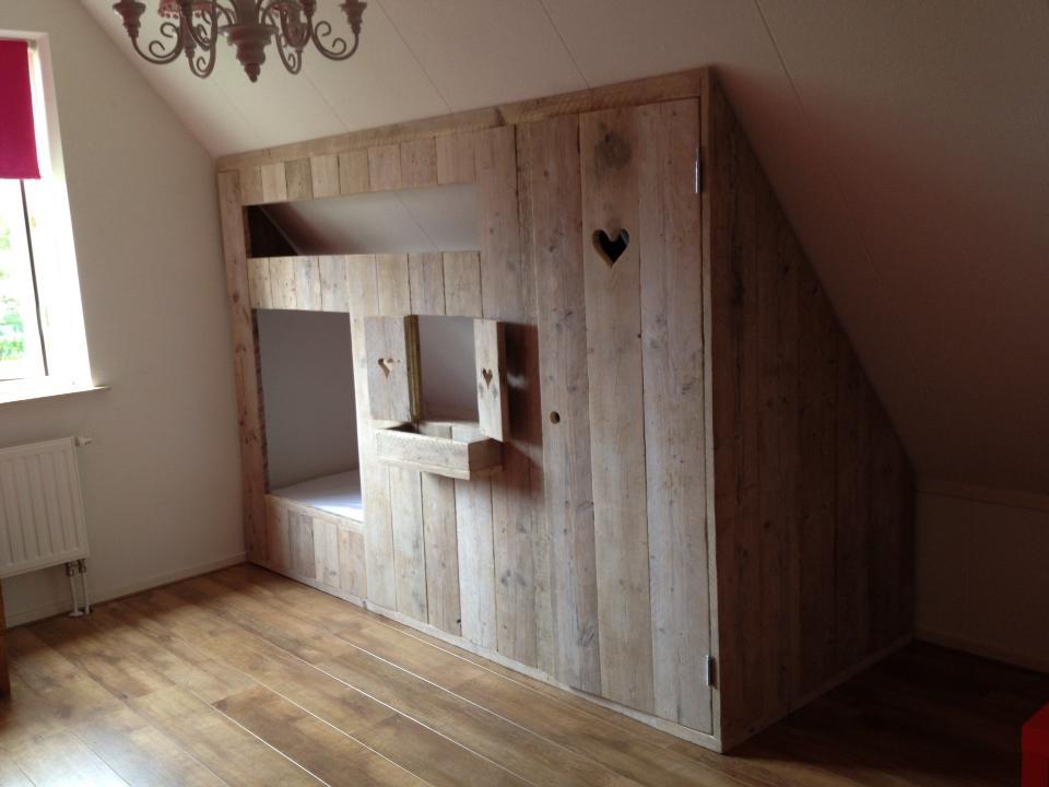 Boersen Aannemersbedrijf  Steigerhouten meubelen