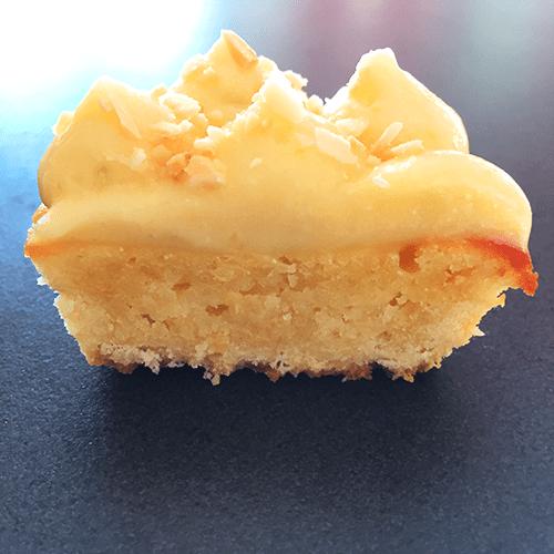 Vue de coupe tartelettes au citron