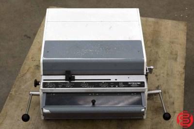 Rhin-O-Tuff HD-7700 Ultima Paper Punch - 020620011001