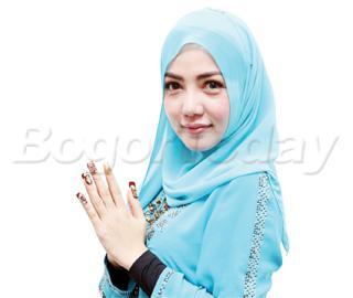 664xauto-cantiknya-bella-shofie-berhijab-141229g-002-rev1
