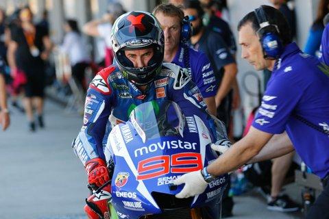 2015-Spanish-MotoGP-Gran-Premio-bwin-de-Espana-Jorge-Lorenzo-Guerrero2