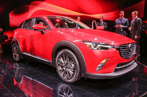 2016-Mazda-CX-3-front-three-quarter-02