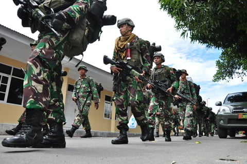 Pasukan-TNI-tiba-(6)