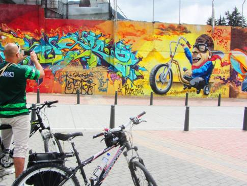 Bogota Graffiti bike tour