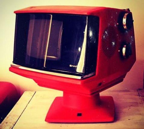che-cosa-è-il-modernariato-televisore-Sharp-5P-12Y