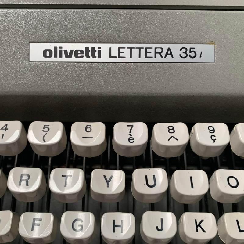 macchina-da-scrivere-olivetti-anni-70