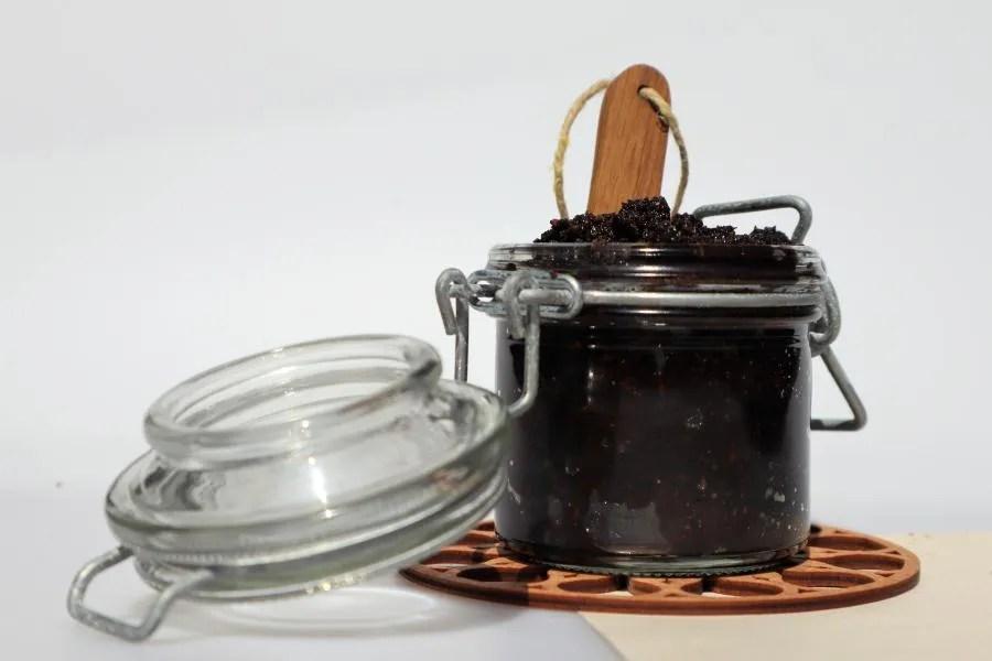 Natuurlijke en zelfgemaakte koffie scrub