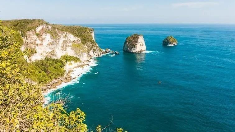 Uitzicht vanaf Nusa Penida in Indonesië