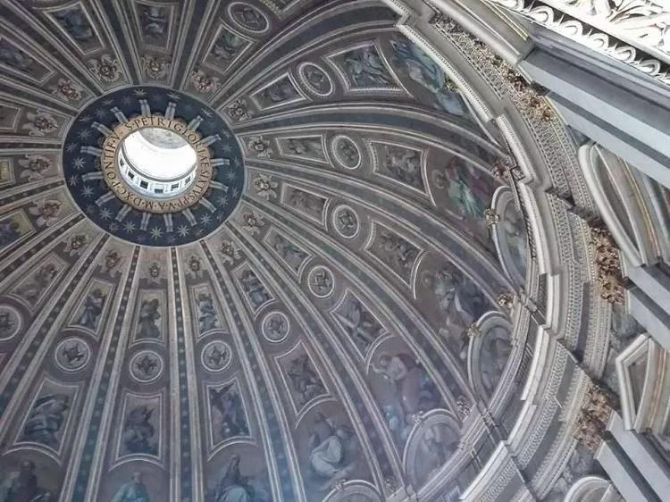 Vaticaanstad bezoeken met deze handige tips over bezienswaardigheden en activiteiten