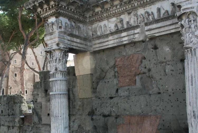 Rome in een dag - Forum Romanum nabij het Colosseum