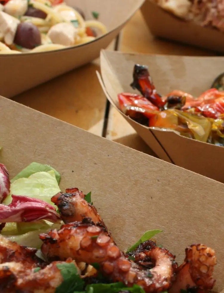 Visrestaurant Comeilmare in de haven van Gaeta
