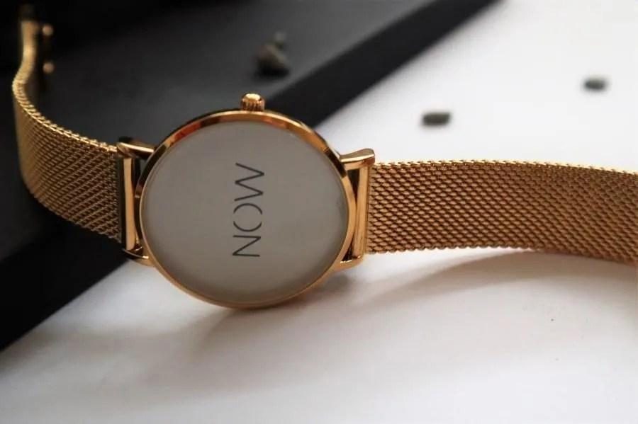 Het horloge The Watch Now