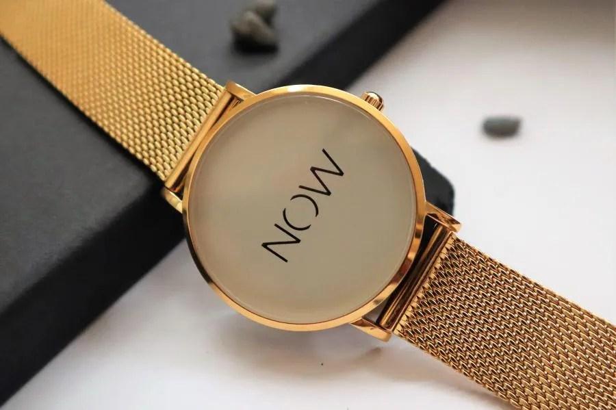 Horloge als reminder om te leven in het nu